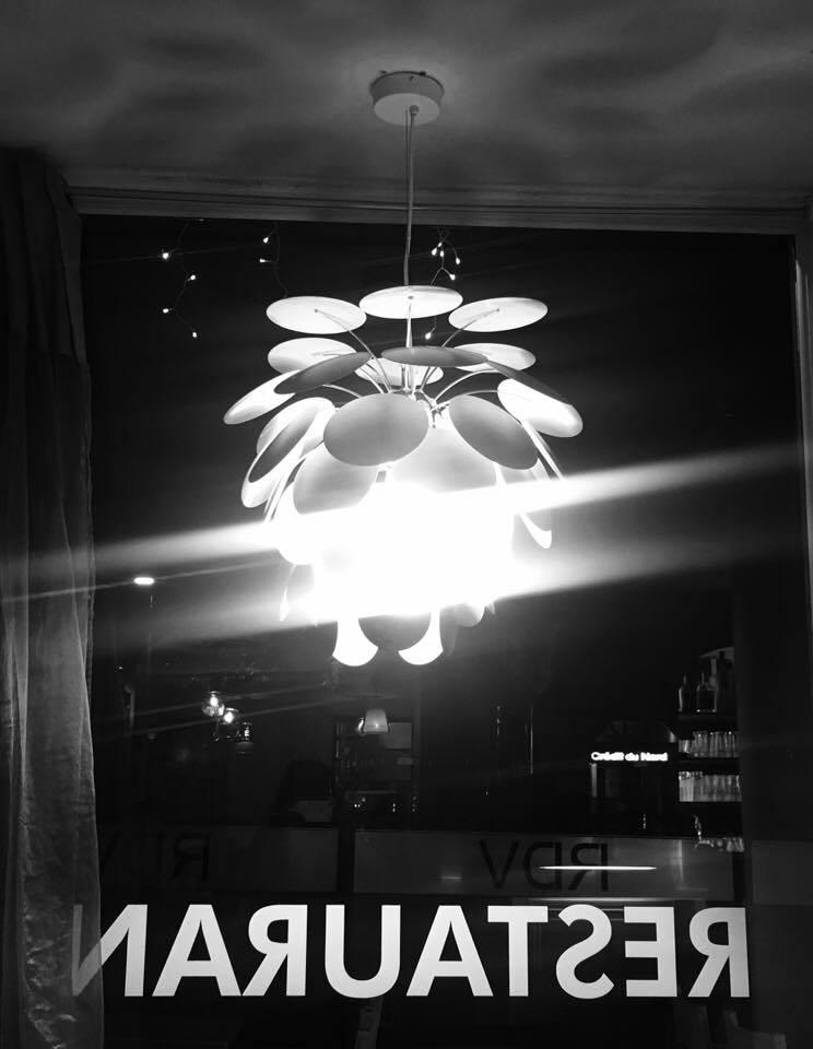 Tasty Life Magazine lifestyle équilibré virginie dufour portrait décoration restaurant luminaire