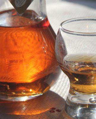 Vous connaissez la liqueur Golden Eight de chez Massenez ? Vous devriez ! Crédit photo : Tasty Life Magazine.