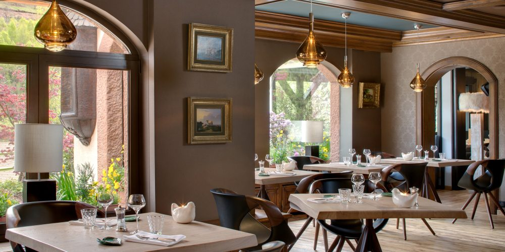 La salle de restaurant où se trouve le fameux buffet sucré et salé de la Cheneaudière pour le spa à la journée. Crédit photo : Jérôme Mondière.