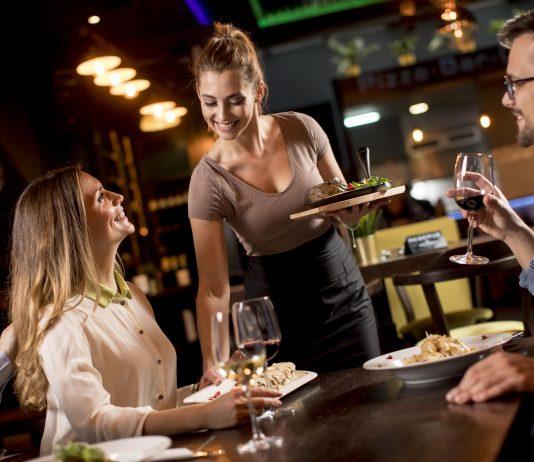 Service savourer restaurant Tasty Life magazine emilie